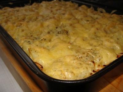 Запеканка с капустой, фаршем и картофелем