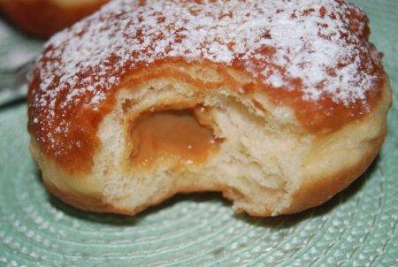 Пончики со сгущенкой внутри