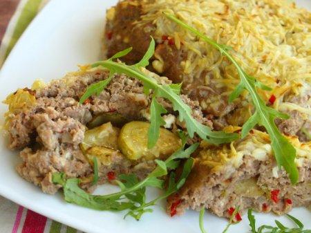 Мясная буханка с кабачками и фетой под картофельной корочкой