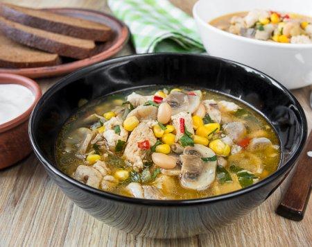 Чили-суп из курицы с грибами