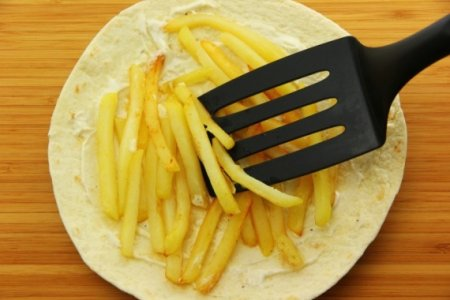 Шаурма с курицей и картошкой