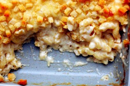Макароны с сыром и сухариками