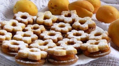 Печенье с абрикосовым вареньем