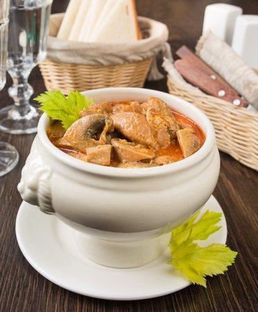 Паприкаш из курицы с грибами
