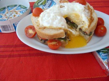 Бутерброд с сыром и грибами