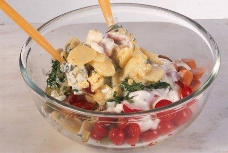Салат из вареного картофеля