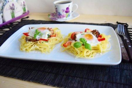 Гнезда из спагетти