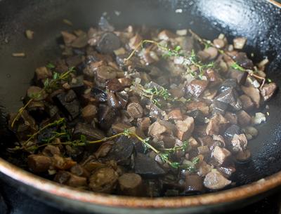 Лазанья с мясом и лесными грибами