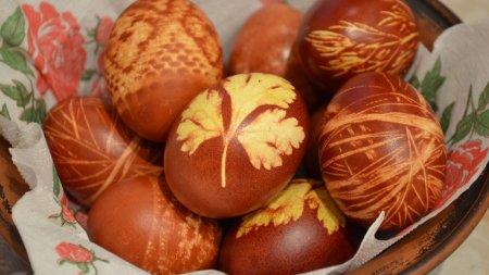 Как покрасить яйца на пасху с рисунком
