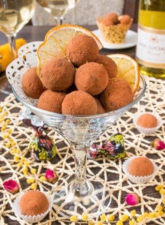 Шоколадные трюфели с лаймом и медом