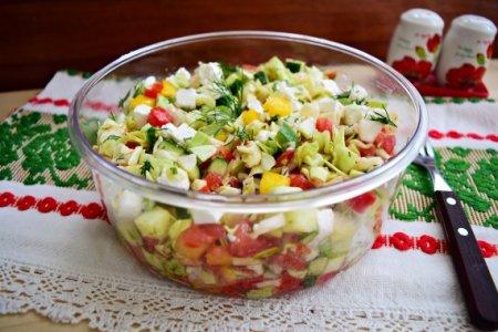 Летний салат с сыром