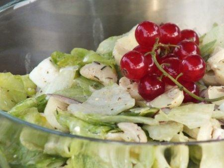 Салат с грибами и сыром фета