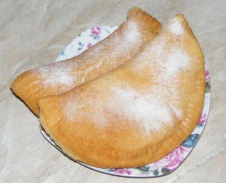 Жареные пирожки с творогом