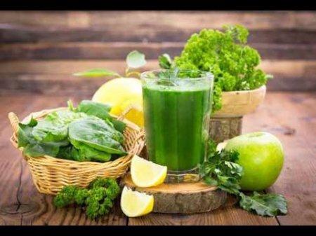 Витаминный смузи за 2 минуты. Зелёный коктейль для здоровья и красоты