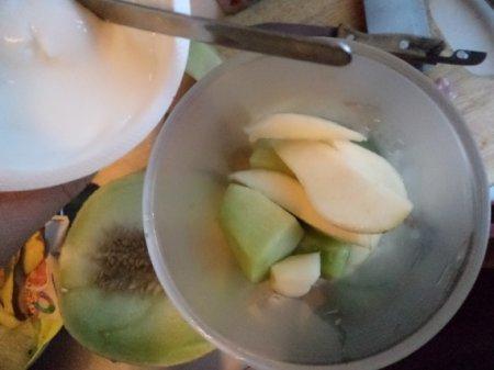 Коктейль из груши и дыни