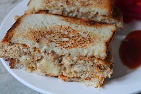 Бутерброд с куриной котлетой и сыром