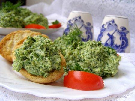 Закуска из сыра и зелени