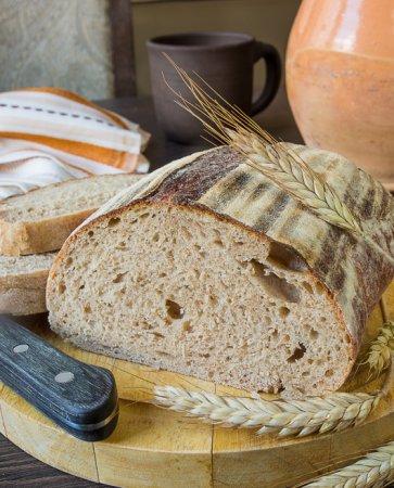 Пшеничный хлеб с ржаной мукой на закваске