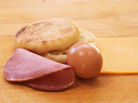 Утренний сэндвич с яйцом