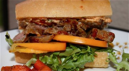 Мужской бутерброд со стейком