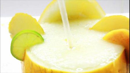 Смузи из дыни – очень вкусный и полезный напиток