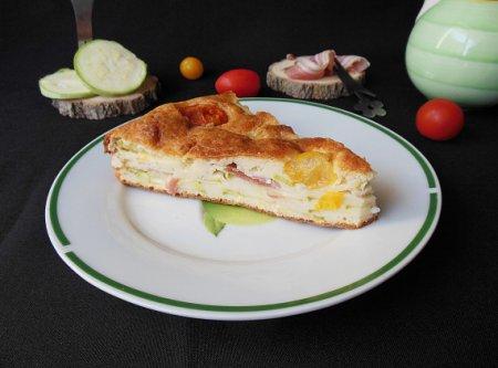 Кабачковый пирог с беконом