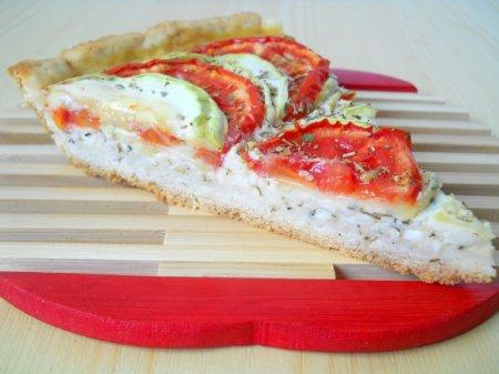 Пирог с кабачками, помидорами и сыром