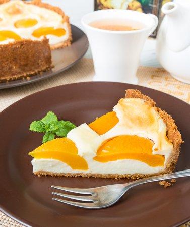 Заварной пирог с персиками