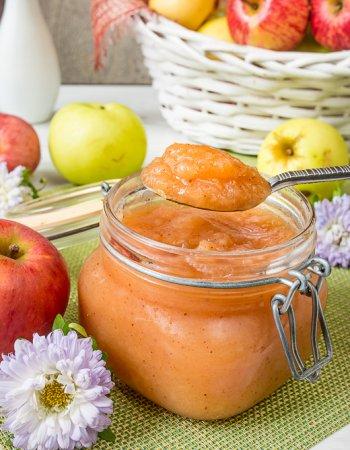Яблочный соус с корицей