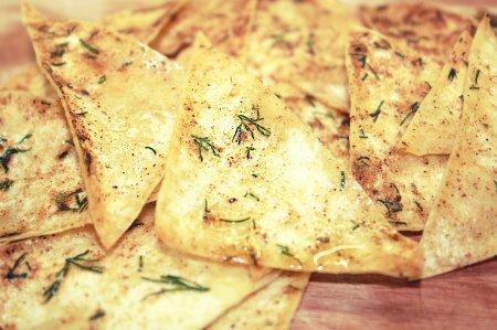 Домашние чипсы из лаваша за 2 минуты