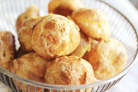 Гужеры - французские сырные булочки