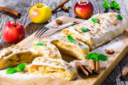 Быстрый штрудель с яблоками