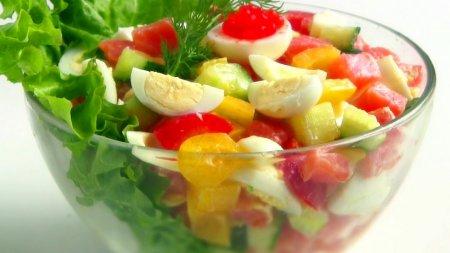 Салат с рыбой и овощами без майонеза