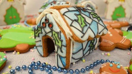 Пряничные домики на елку