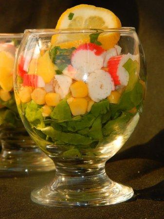 Салат из эндивия с крабовыми палочками