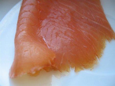 Тарталетки с муссом из лосося