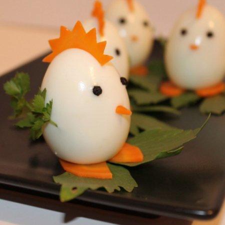 Петушки из яиц