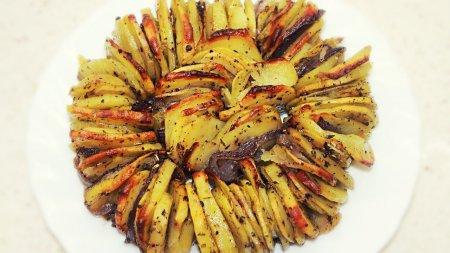 Хрустящий картофель, запеченный в духовке