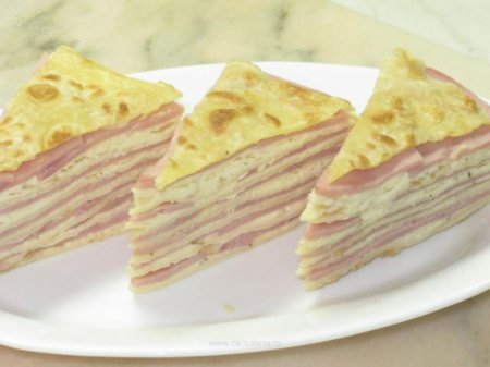 Несладкий блинный торт