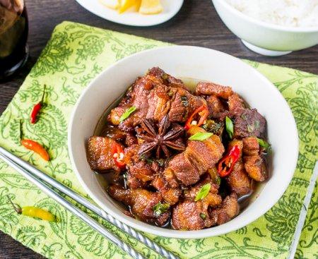 Тушенная свиная грудинка по-китайски