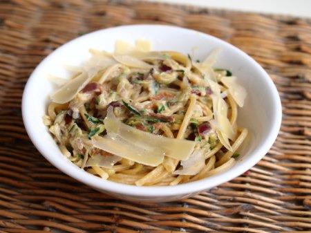 Спагетти с цуккини и беконом