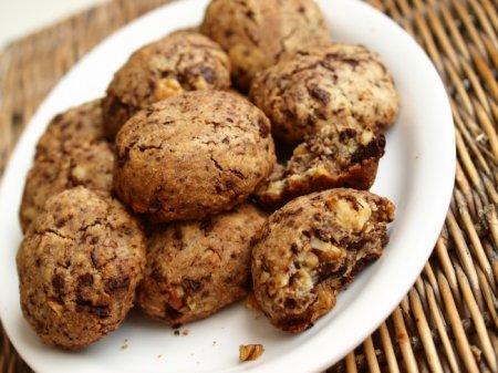 Печенье с грецкими орехами и шоколадом