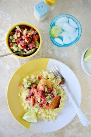 Сальса из клубники и авокадо