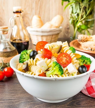 Паста-салат с жареными овощами