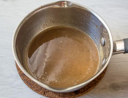 Пряный кекс с черносливом