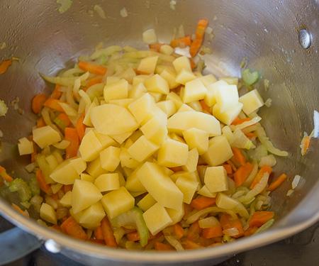 Суп из молодой капусты для худеющих