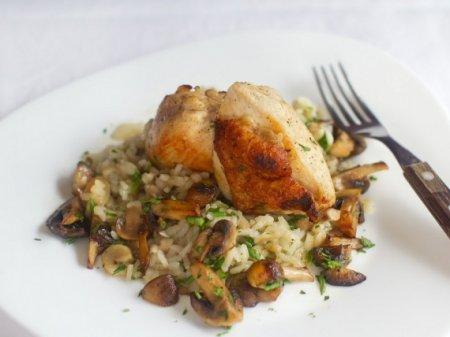 Курица с грибами и рисом