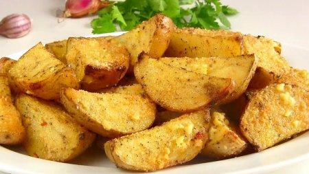 Вкусная картошка в духовке дольками с корочкой