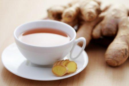 Зимний чай с апельсином, медом и имбирем