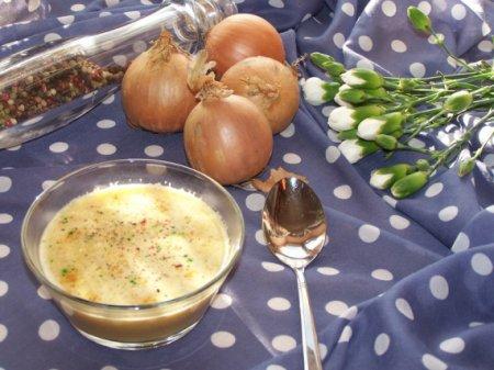 Луковый крем-суп на говяжьем бульоне